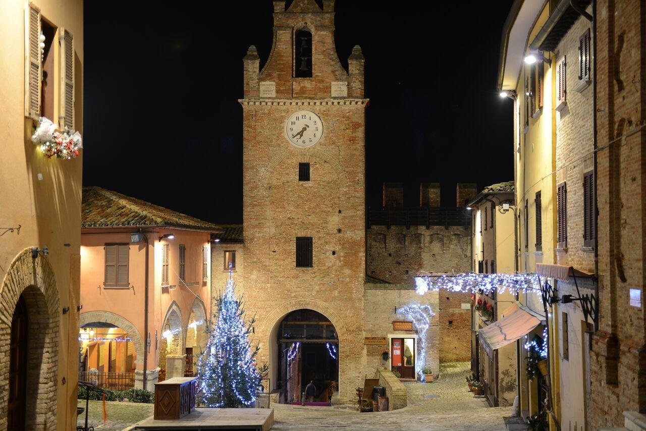 GRADARA: Castello di Natale